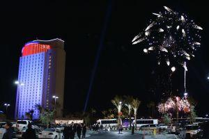 El famoso casino Morongo en California reabrió sus puertas; largas filas de personas esperaban afuera
