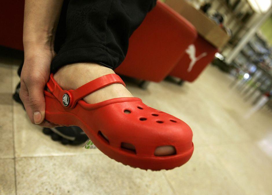 Por qué los Crocs son los zapatos más cómodos y vendidos en la cuarentena