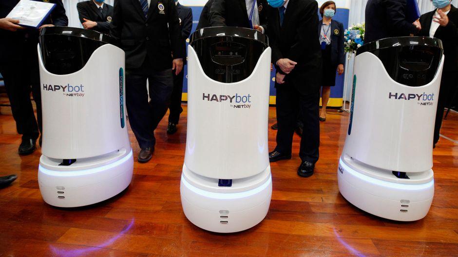 """Tailandia despliega a los """"Hapybots"""" para luchar contra el coronavirus"""