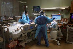 Paciente de COVID-19 usa tanque de oxígeno para matar a un anciano en hospital de Los Ángeles