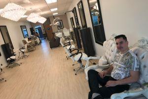 Estilistas en Los Ángeles se preparan para reapertura de salones bajo COVID-19