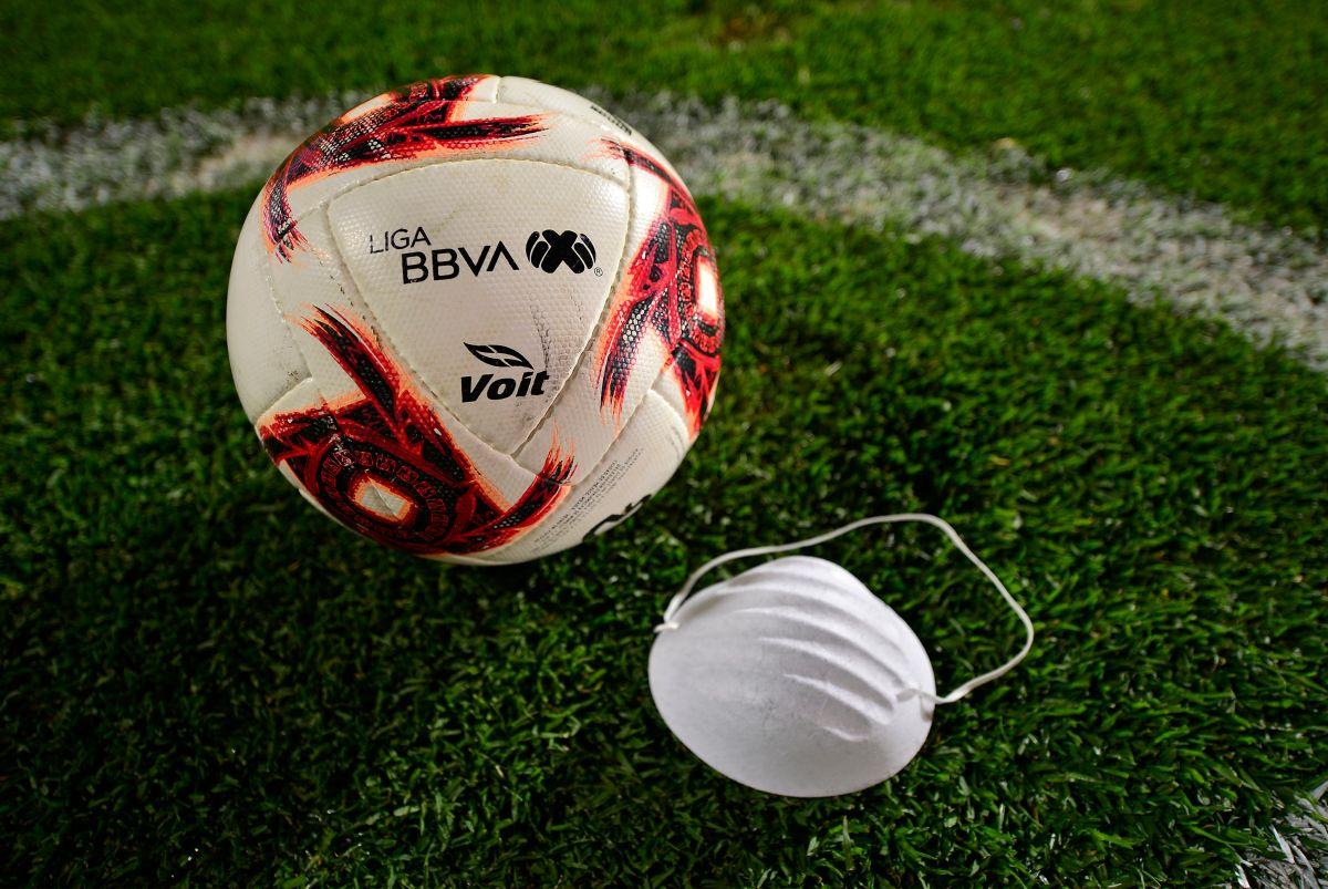 El balón volverá a rodar en México en mes y medio.