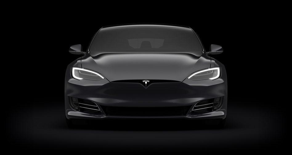 Este Tesla de juguete tiene un PC Gaming en su interior y cuesta una fortuna