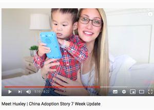 Youtuber promociona y lucra con adopción de un niño chino con autismo y ... lo devuelve después
