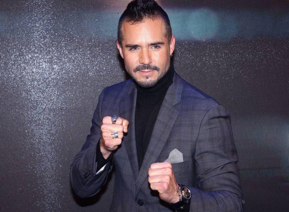 José Ron, el protagonista de 'Te Doy La Vida' de Univision, celebra 'los regalos de la vida'