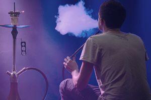 Hookah y el COVID-19: Cómo te pone en riesgo fumar Hookah