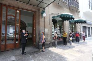 Mexicanos rompen confinamiento para celebrar el Día de las Madres