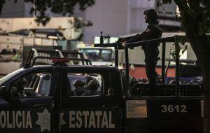 Revelan abandono institucional de policías en México; bajos salarios y largas jornadas