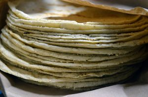 5 maneras de usar las tortillas de harina o maíz sobrantes