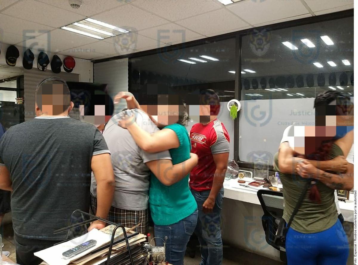 Rescatan a 14 médicos secuestrados en la Ciudad de México