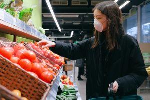 Guía actualizada de cuidados para evitar contagiarte el coronavirus en el supermercado