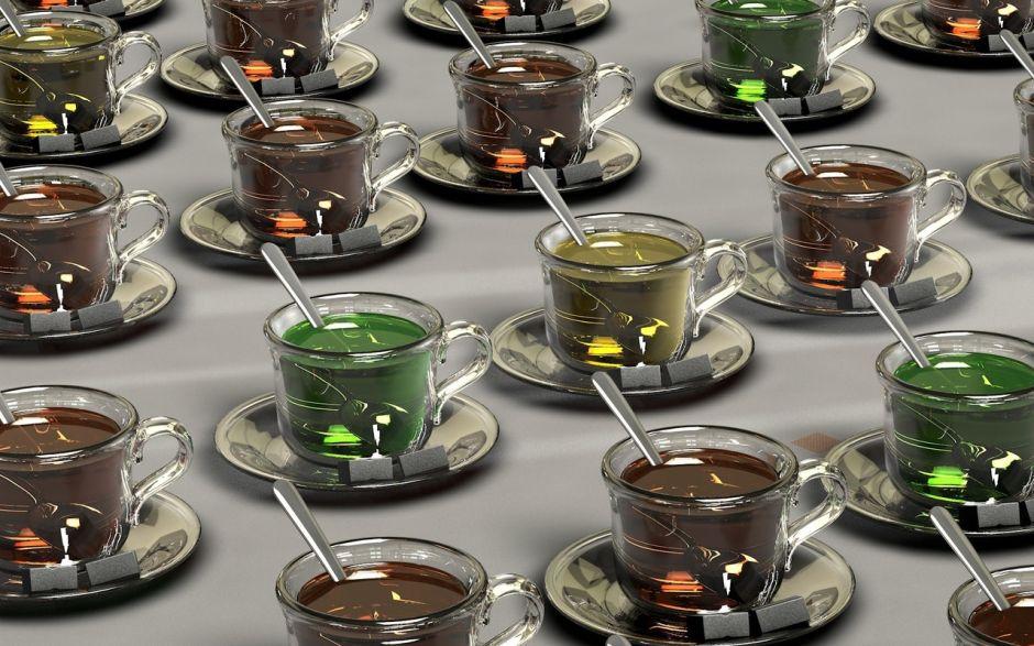 """El """"acalorado"""" debate entre calentar el té en la tetera o en el microondas"""