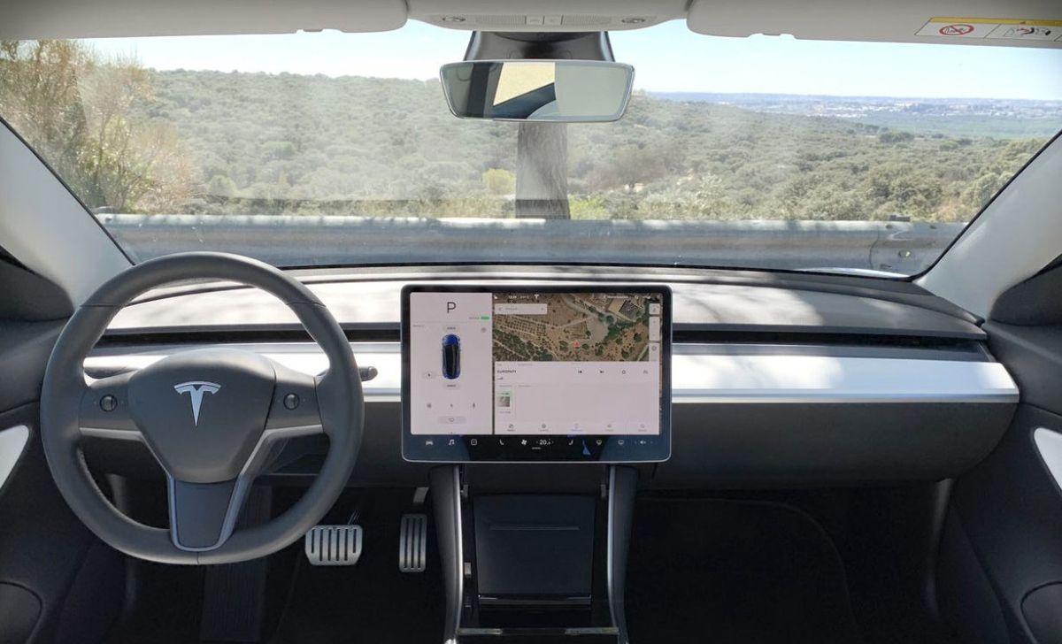 Interior del Tesla Model 3. Crédito: Cortesía Tesla.