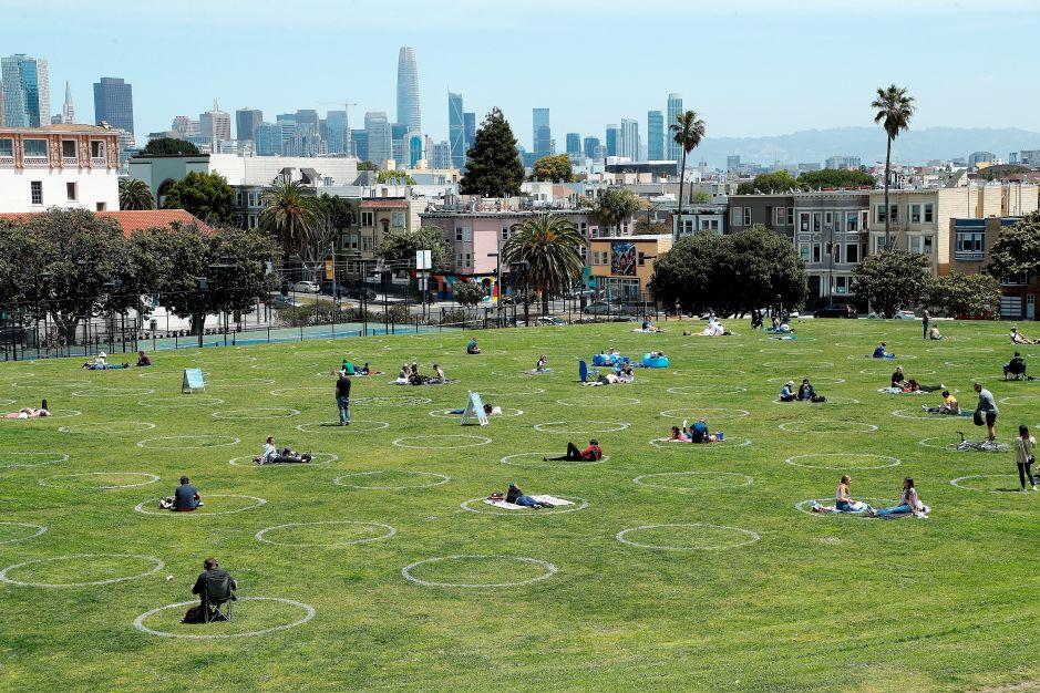 Parques en época de coronavirus: San Francisco marca con círculos la distancia social