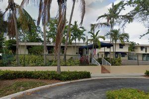 Una escuela de Miami desafía al gobernador y anuncia que reabrirá sus puertas, a pesar de su prohibición
