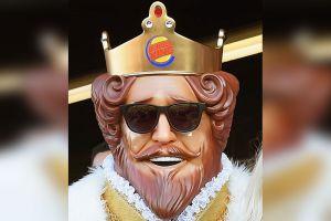 Burger King da coronas gigantes a sus clientes para que mantengan el distanciamiento social