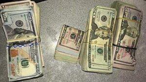 Delatados por el olor a marihuana que despedían les decomisan $36,000 dólares en efectivo