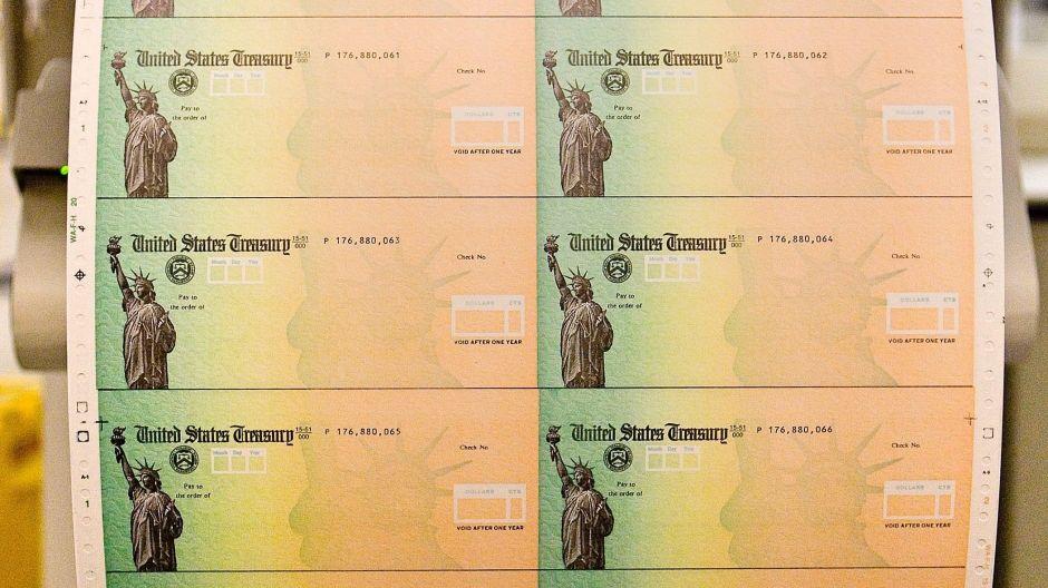 IRS explica 7 condiciones para recibir ayuda económica de $500 para niños
