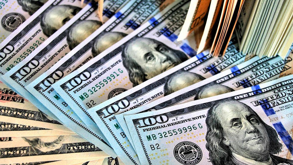 La peligrosa razón por la que NO deberías compartir fotos de tu cheque de estímulo