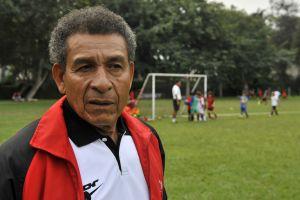 La leyenda del fútbol peruano, Héctor Chumpitaz, hospitalizado y positivo por coronavirus