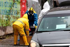 Hombre fallece en una calle de Quito. Hay dudas sobre la cuarentena en Ecuador
