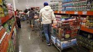 4 maneras de evitar gastar de más en tiendas como Costco y Sam's Club