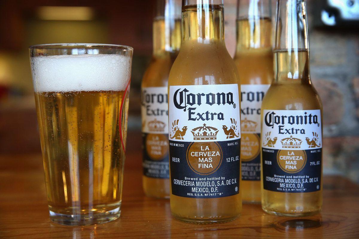 La compañía de distribución cuenta con un inventario de cerveza para 70 días.