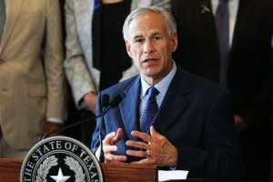 El gobernador de Texas defenderá los departamentos de Policía; no quiere que se les quiten fondos