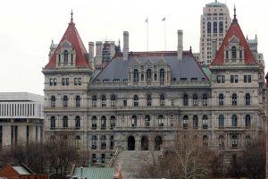 Alto tribunal rechaza apelaciones y destrona a dos veteranas Demócratas de NYC: Carmen Arroyo y Rebecca Seawright