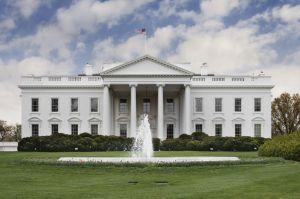 Mayordomo que sirvió a 11 presidentes en la Casa Blanca muere de coronavirus