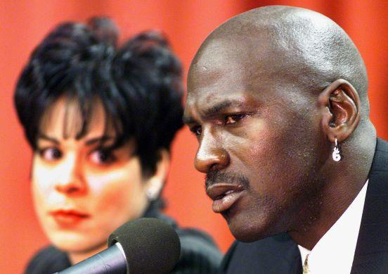 Michael Jordan con su primera esposa, Juanita Vanoy.