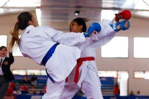 Clases gratis y en línea con la mejor karateca de México, para estar en forma y defenderte si lo necesitas