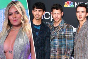 Karol G se presentará con los Jonas Brothers en final de 'The Voice' de NBC