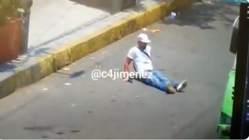 VIDEO: Muere ladrón tras ser baleado por policía en transporte público en CDMX