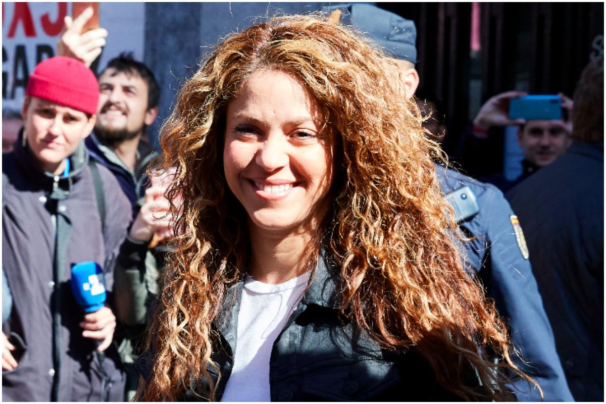 "Alejandro Sanz llama ""despeinada"" a Shakira"