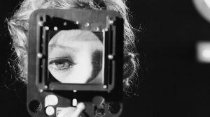 Crean un ojo artificial capaz de imitar la resolución de la visión humana