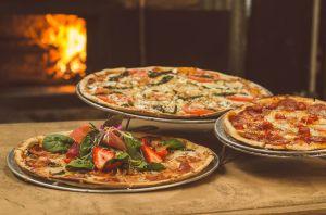 Inigualable receta de masa de pizza de quinoa: sólo requiere 5 productos básicos de despensa