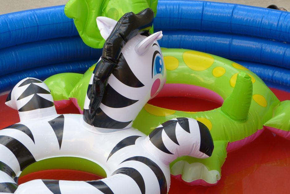 Cómo elegir la mejor piscina inflable para disfrutar el verano en casa