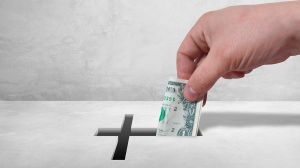 Cura abronca a seguidores por no dar dinero a la iglesia