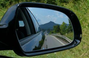 Esta es la forma correcta de ajustar los espejos retrovisores de tu auto