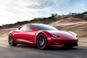 Elon Musk revela por qué retrasó la llegada del Tesla Roadster, el auto más veloz de la tierra