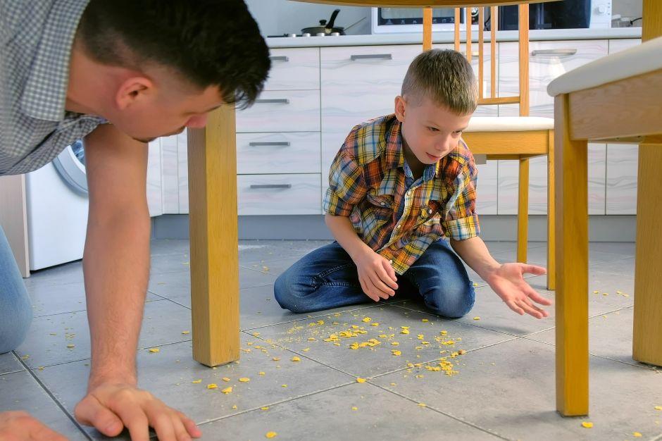 Estos son los secretos de la regla de los 5 segundos cuando se te cae comida al suelo