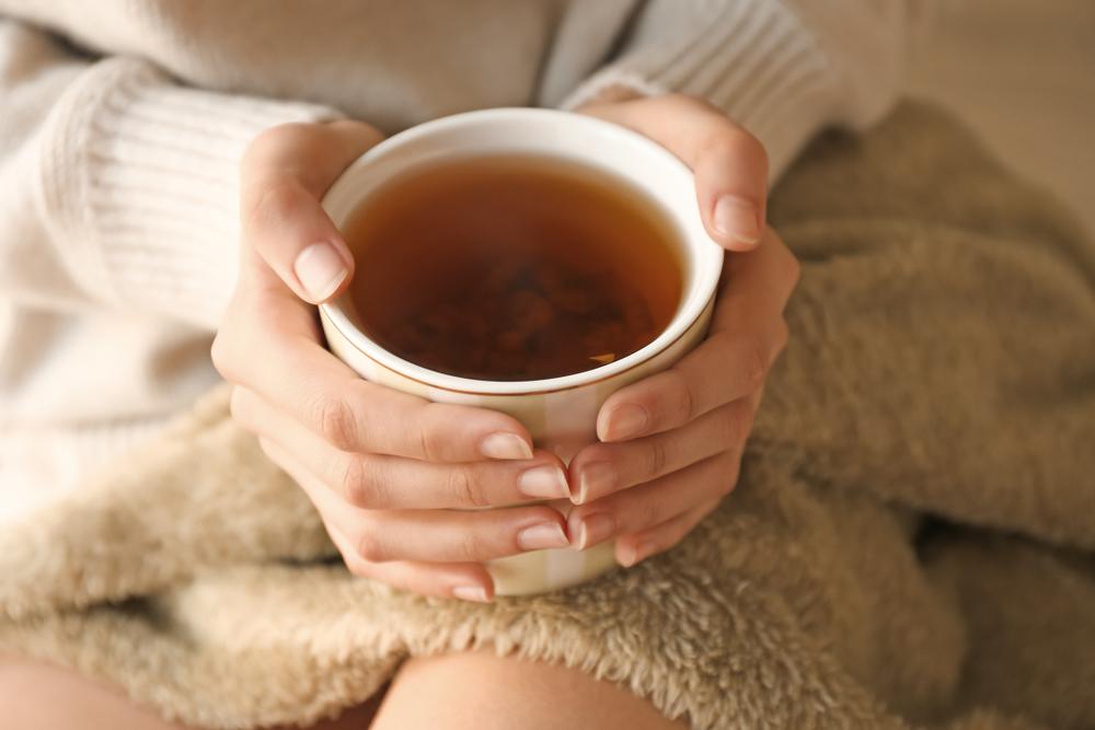 4 tés para aliviar la inflamación y eliminar el exceso de gases intestinales