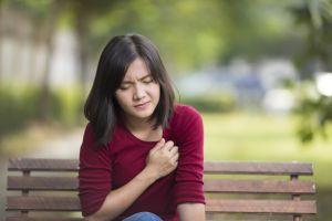 ¿Cómo disminuir el dolor en el pecho causado por ansiedad?