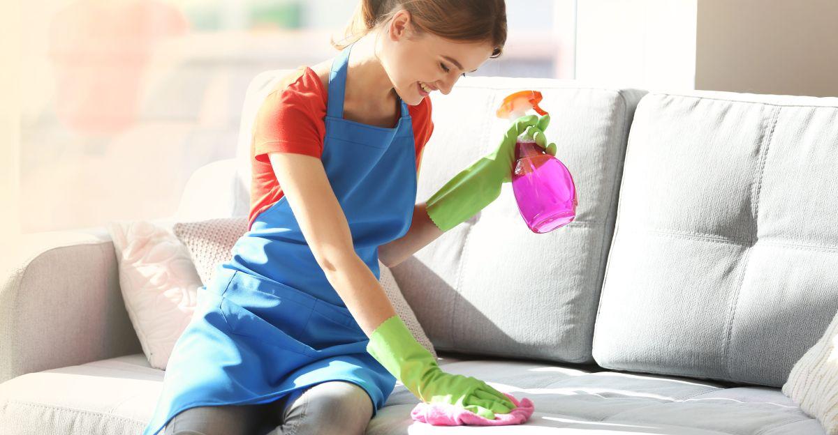 Los mejores 5 sprays para remover manchas y suciedad de tus muebles