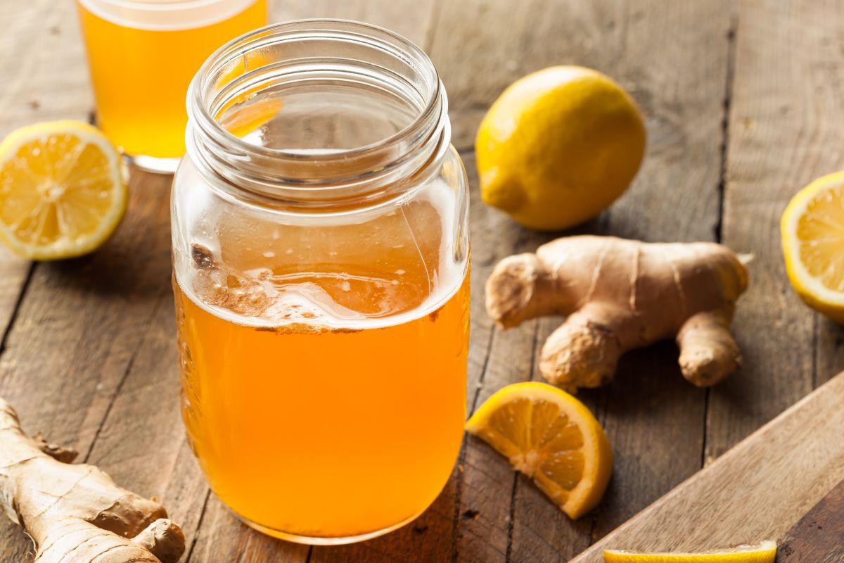 Recupera la buena energía, mejora el estado de ánimo y dale un descanso al organismo con este detox de limón.
