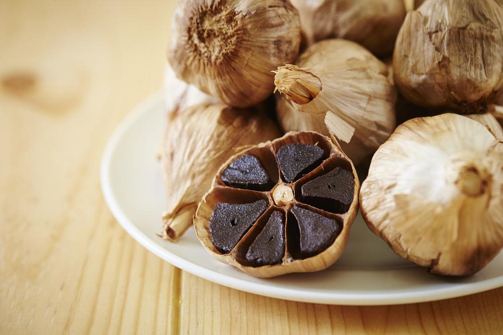 ¿Por qué las propiedades y beneficios del ajo negro son mucho mayores al ajo blanco?