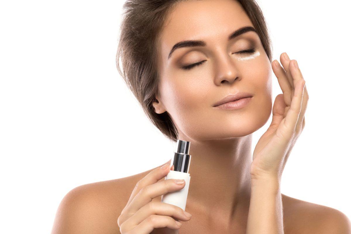 Cómo aplicar una crema reafirmante en todo el cuerpo