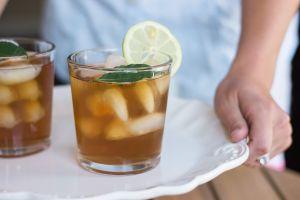 Los mejores tés helados para hidratarte y reducir la inflamación