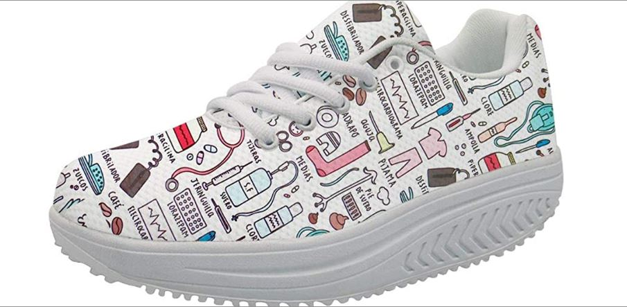 Amplificar toque lamentar  Estilos de zapatos divertidos, únicos, y muy cómodos por menos de $50 | La  Opinión